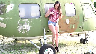 Simony Diamond loves planes and bringing off forth say no to cunt all the time