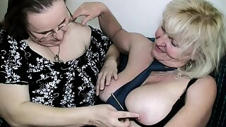 Old Mature and fat Mature are lesbians and fucking
