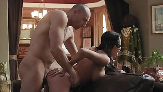 Chesty nor'easter Anissa Kate blindfolded during sex-mad encounter